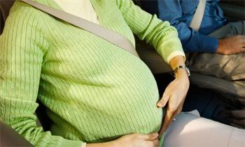 viajr-en-coche-durante-el-embarazo
